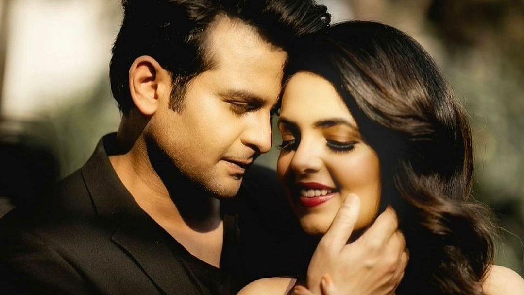 Comedian Sugandha Mishra engaged to  'Sanjay Dutt mimic' Sanket Bhosale