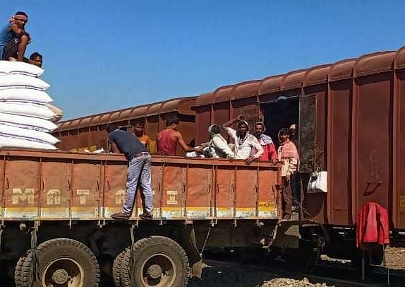 Western Railway achieves freight loading of 80.72 mt inspite of the coronavirus pandemic