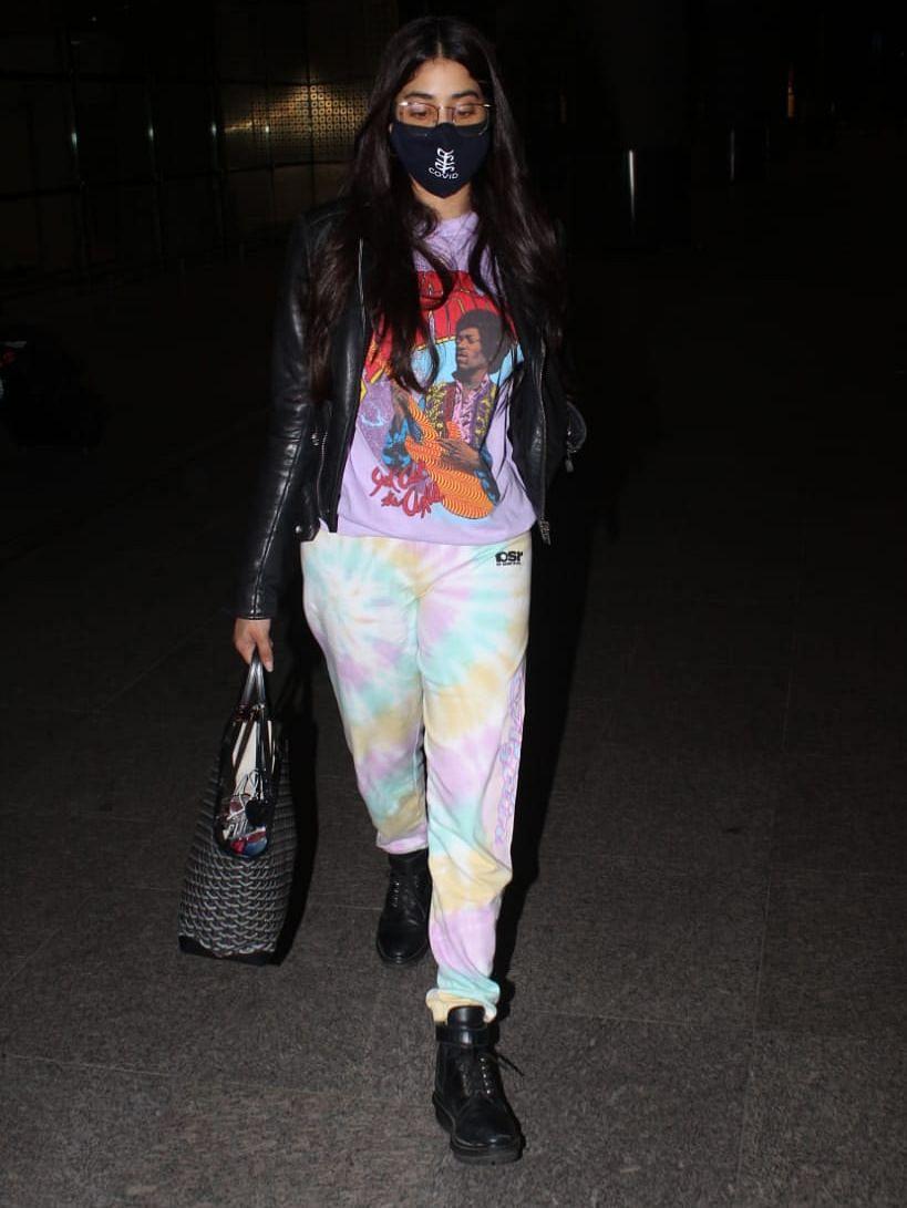 In Pics: Janhvi Kapoor flaunts her 'f**k COVID' mask as she arrives in Mumbai