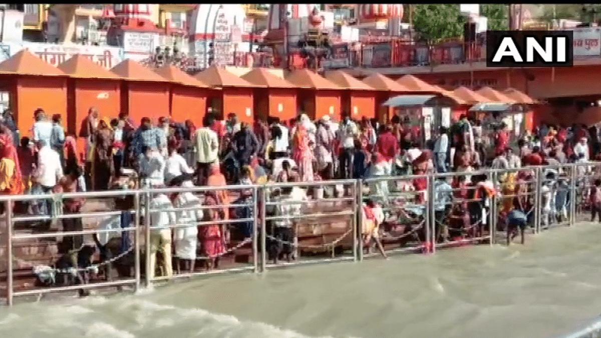 Twitterati enraged at Kumbh's last shahi snan held amid COVID-19 second wave, call it 'criminal act'