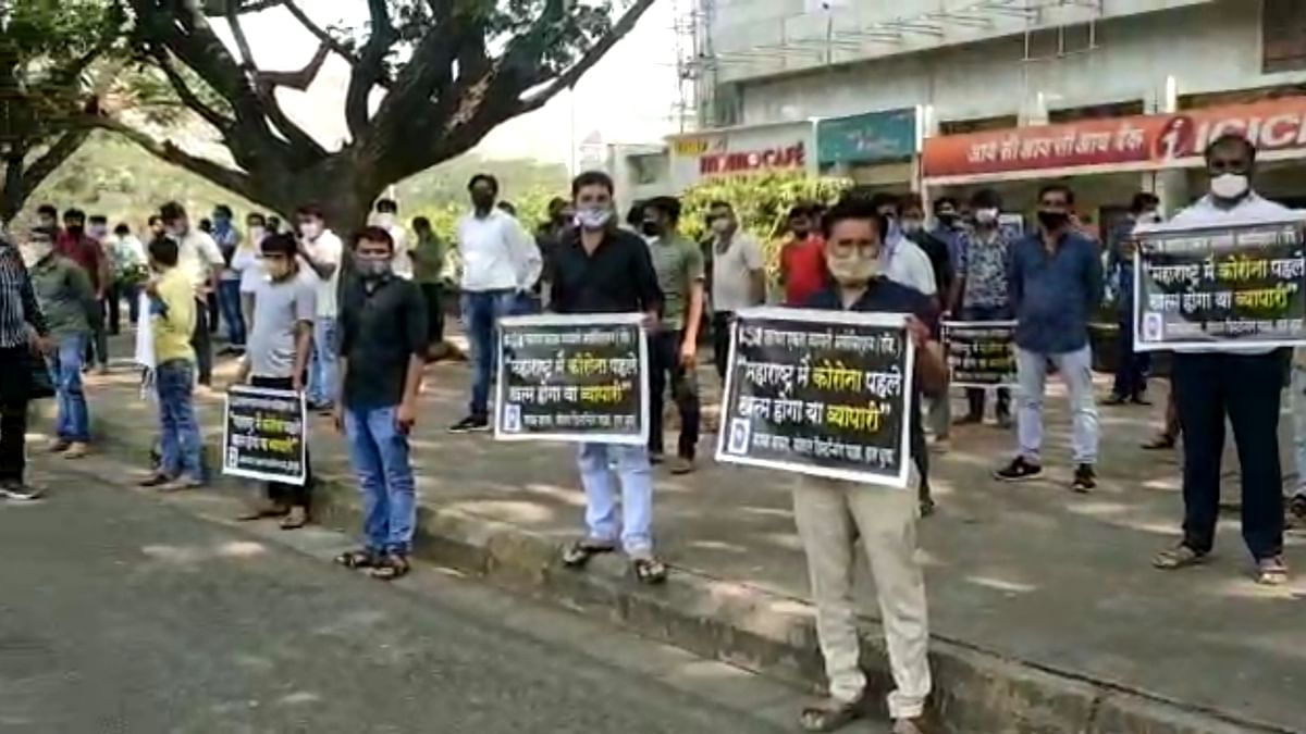 Navi Mumbai: More than 500 businessmen protest against new COVID-19 restrictions