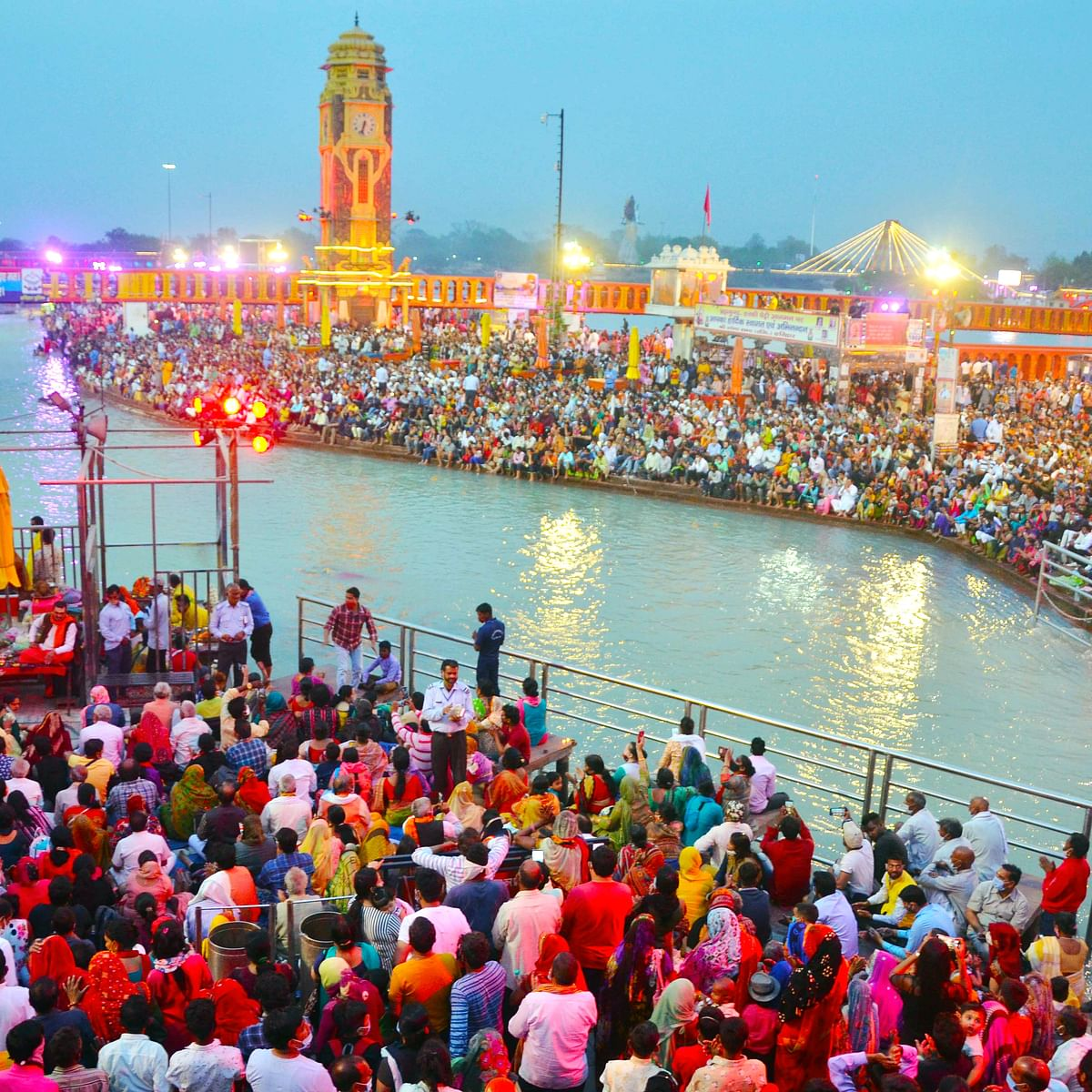 A sea of followers at Kumbh Mela: Twitterati's feud over Corona-politics continues