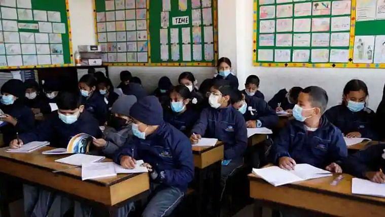 Amid surge in COVID-19 cases, J&K schools for students up to Class 9 to remain shut till Apr 18