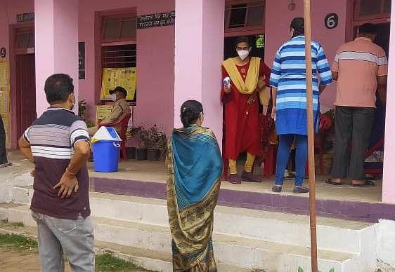 Madhya Pradesh: Polling over, Damoh put under corona curfew