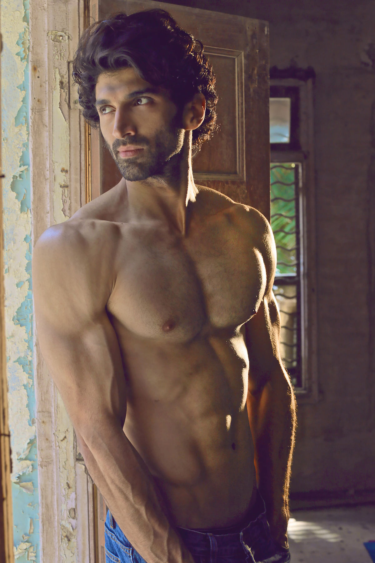 Lockdown in Mumbai: For Tiger Shroff and Aditya Roy Kapur, it's time to 'Workout' From Home!