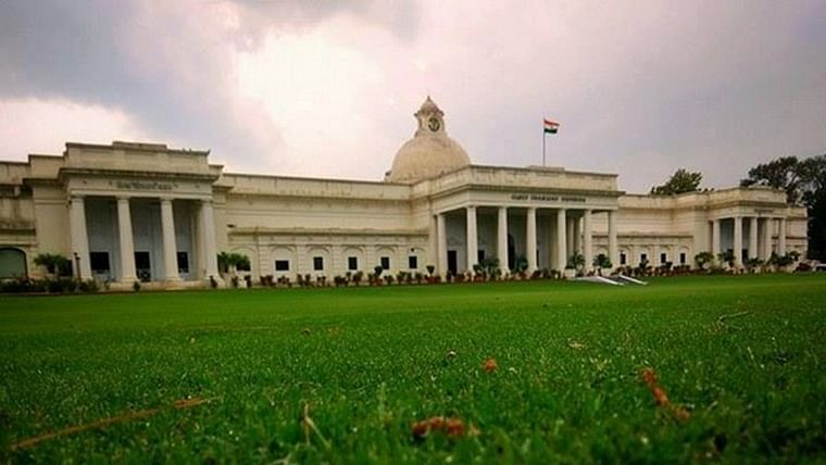 Uttarakhand: Hostels sealed after 90 students of IIT Roorkee test positive for COVID-19