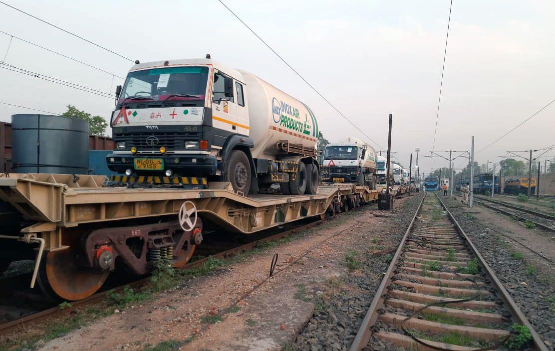 COVID-19: Oxygen Express delivers 510 MT of oxygen to UP, Maharashtra, Delhi, MP