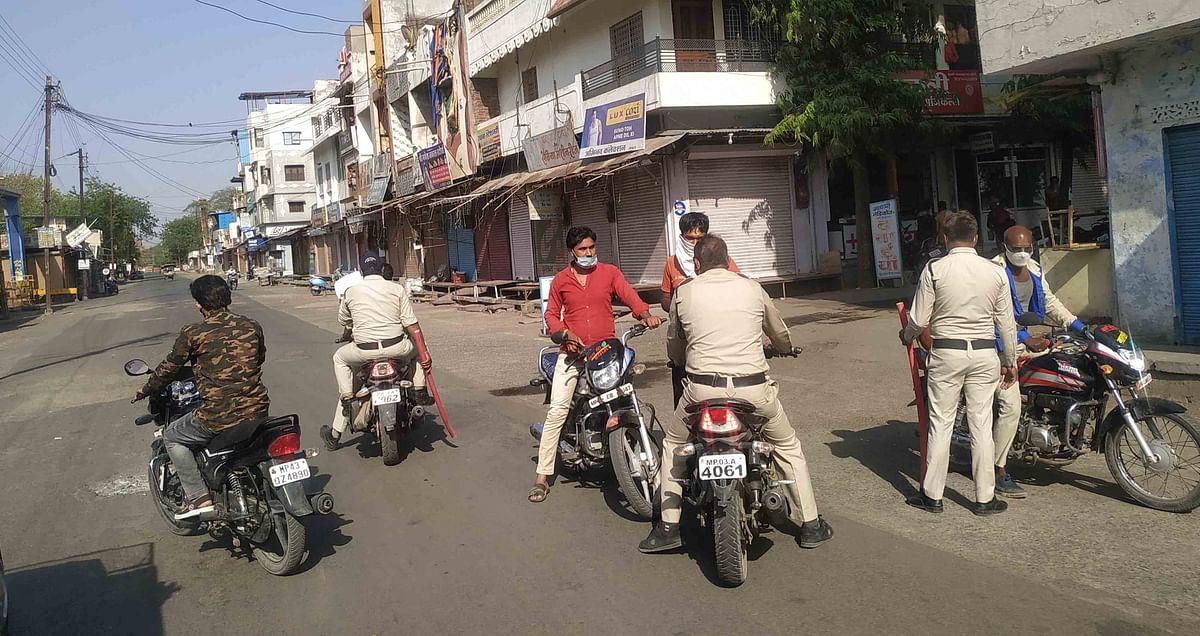 Corona curfew in Madhya Pradesh: Ensure food, proper facilities for FLWs, says collector after inspecting Jaora, Sailana and Piploda