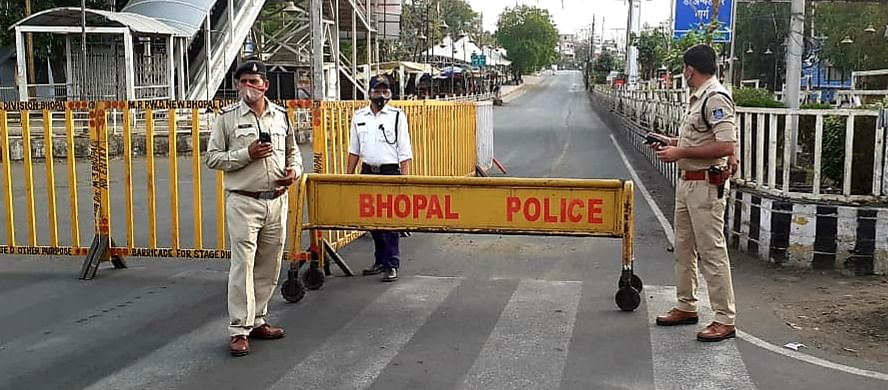 Policemen keeping strict vigil on  lockdown violators in Bhopal on Tuesday.