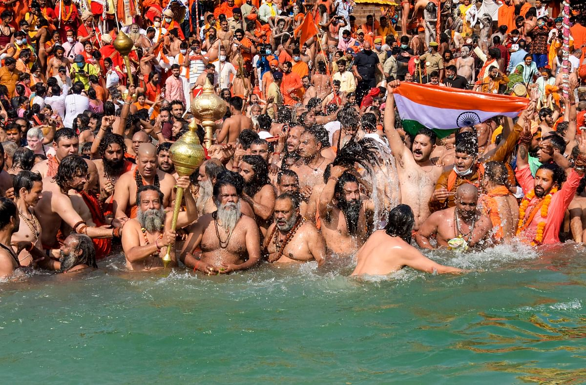Despite hundreds of devotees testing positive for COVID-19, Kumbh Mela to continue till April 30: Report