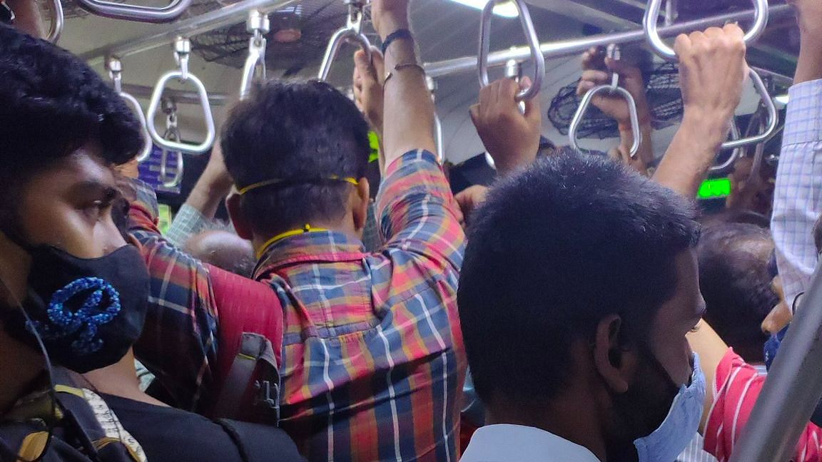 Mumbai: Local trains continue to run packed despite rising COVID cases
