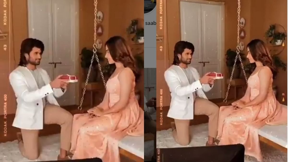Watch: Vijay Deverakonda goes down on his knees to propose Rashmika Mandanna, video goes viral