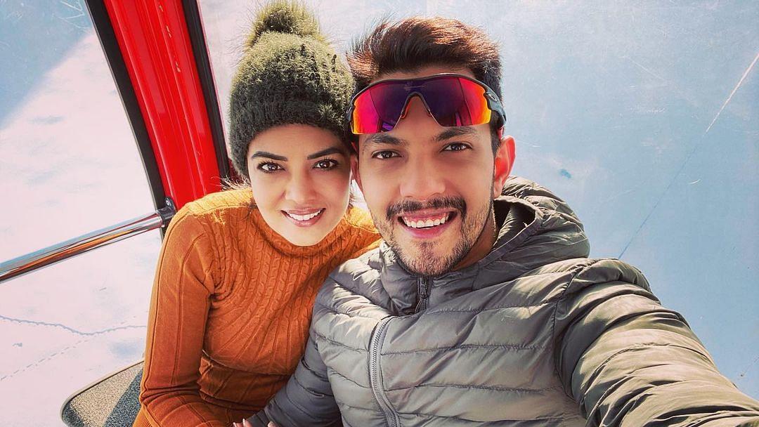 'Indian Idol 12' host Aditya Narayan, wife Shweta Agarwal test positive for COVID-19