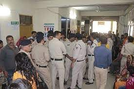 Indore: Angry over lack of bed, Covid patient's kin create ruckus at hospital