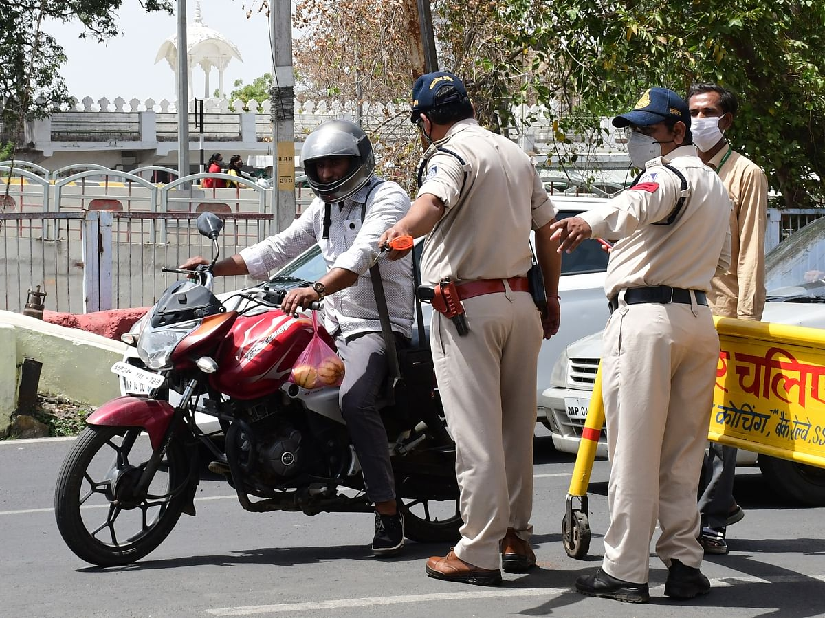 COVID-19 in Mumbai: Mumbai Police registers 159 offences of lockdown violations, books 306 people on April 20