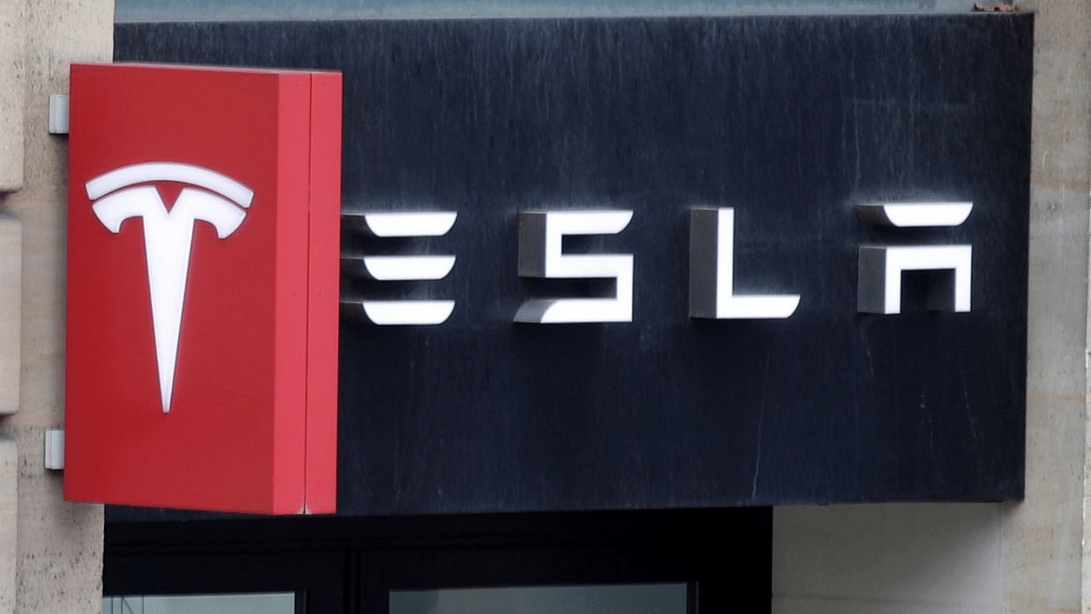 Tesla's 'Autopilot' failure claims two more lives in US