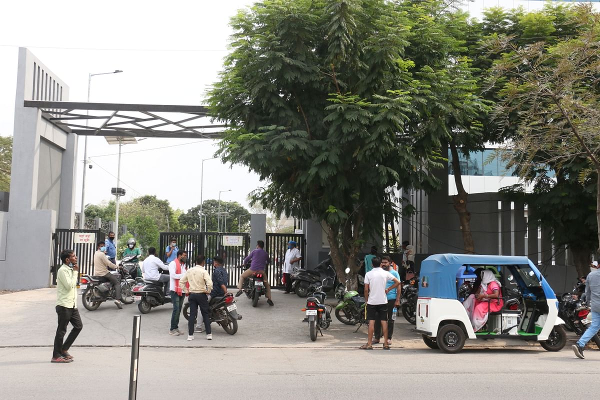Indore: Shortages galore: Of beds, oxygen, Remdesivir, Tocilizumab as patients' family run from pillar to post
