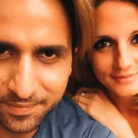 Watch: Sussanne Khan reacts to rumoured BF Arslan Goni breaking a chair while getting his COVID-19 jab