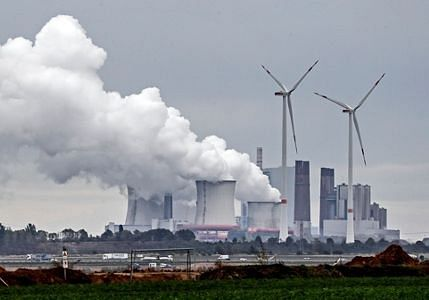 Germany to consider spending more to meet climate goal