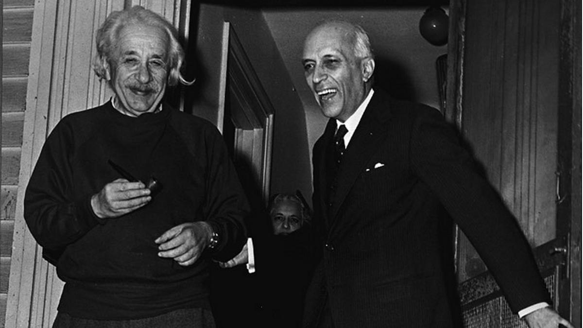 'I also have a selfie with Sachin Tendulkar...': Anubhav Sinha trolled for glorifying Pt Nehru's meeting with Einstein