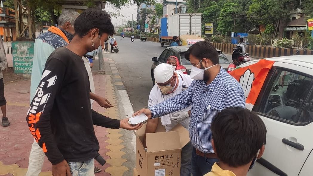 Coronavirus in Indore: Young brigade stand by the seniors