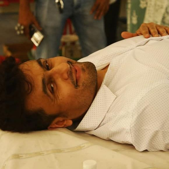 Sonu Nigam shuts down trolls who mocked him for donating blood without wearing a mask