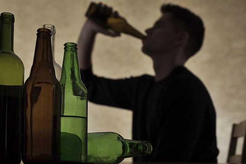'Hide sanitisers, give tasty food to boozers': Experts advise kin of alcoholics as TN govt orders closure of liquor shops