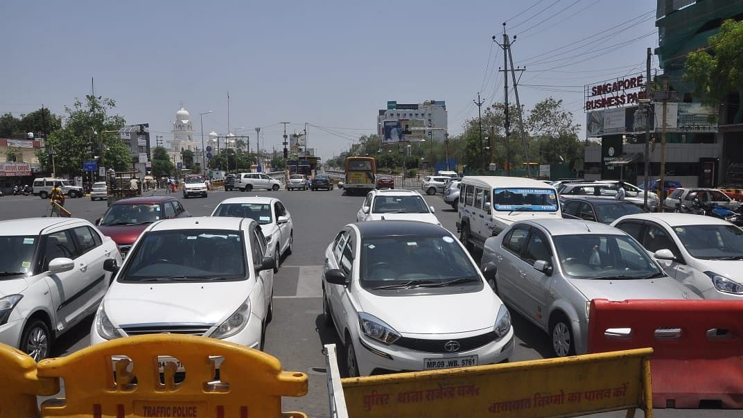 Mumbai: Traffic cops crack the whip on illegal parking