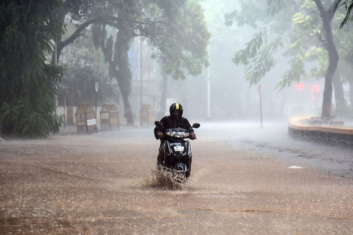 Cyclone Tauktae: 214.6 mm and 202.6 mm of rain recorded at Mumbai observatories; wind speed of 114 kmph at Colaba; six killed in Konkan