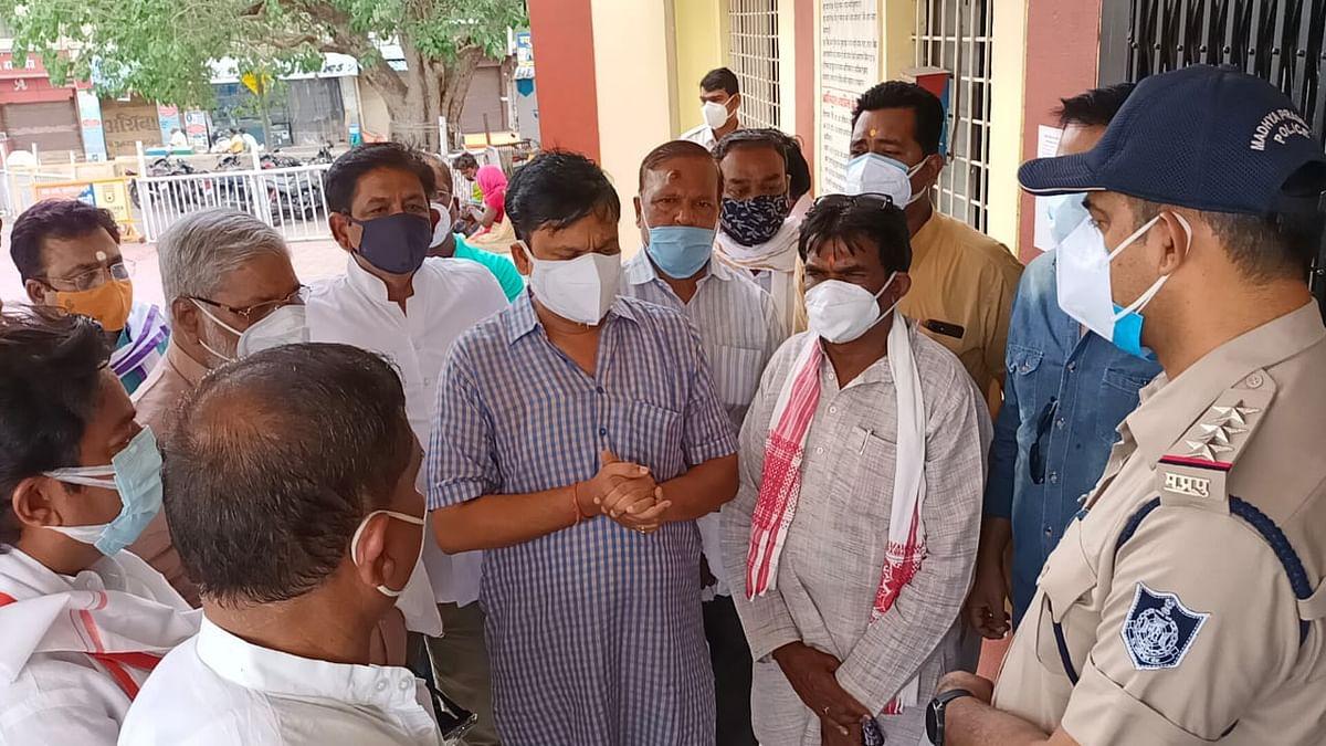 Khandwa: Book Nath for fuelling anarchy, demand BJP members; Submit memorandum to TI BL Mandloi