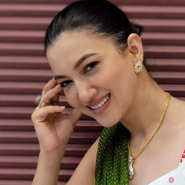 Did you know? Gauahar Khan got engaged to THIS filmmaker at the age of 20