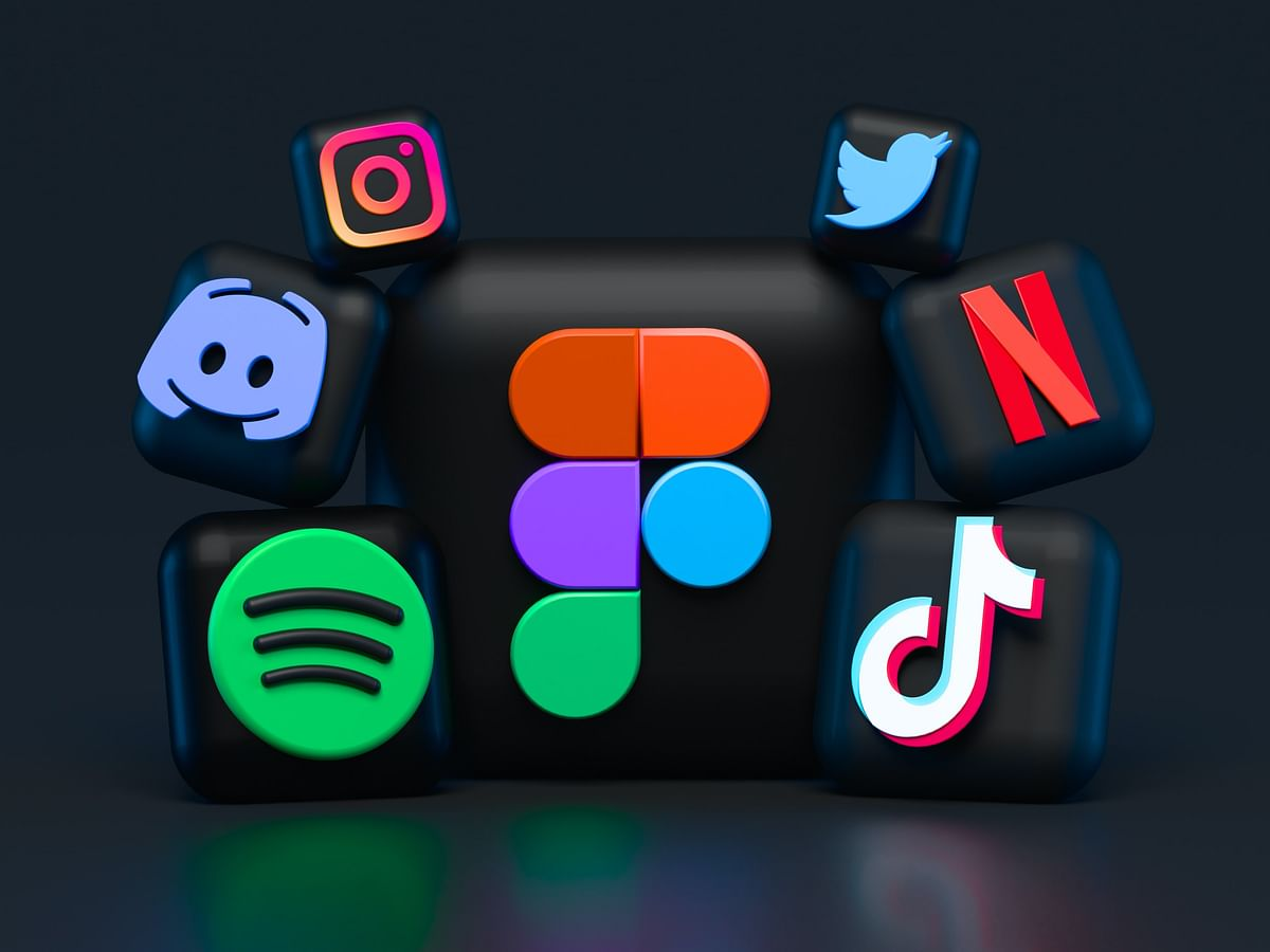 Understanding the main idea of social media and finding similarities in Spotify