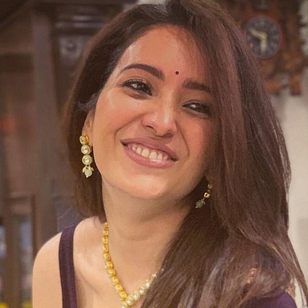 'Itni overacting mat kiya karo': Asha Negi hits out at actors uploading vaccination videos