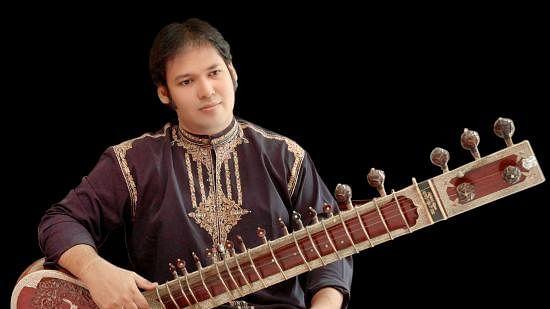 A week after father Pandit Devbrata Chaudhuri, sitar player Prateek Chaudhuri dies of COVID-19