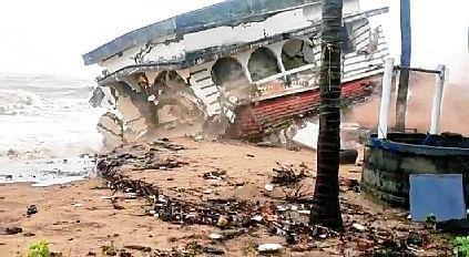 Tauktae hits Kerala, causes destruction