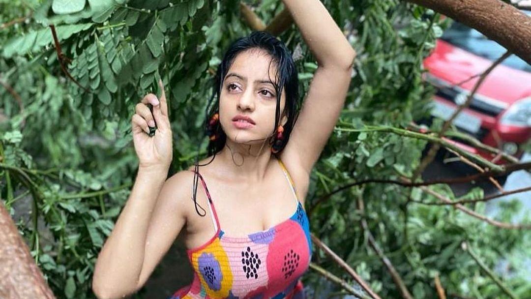 'What a shame': 'Diya Aur Bati Hum' fame Deepika Singh slammed for 'insensitive' photoshoot around uprooted tree amid cyclone Tauktae