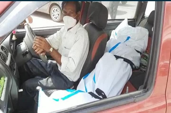 Rajasthan: Man drives 85 kms with daughter's dead body after ambulances demand exorbitant fees; investigation underway