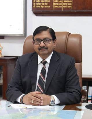 Alok Kansal, General Manager, Central Railway reviews monsoon preparation works