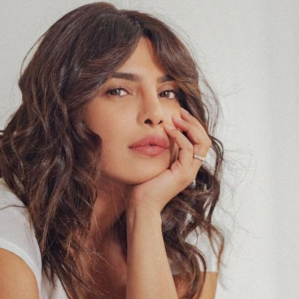 Priyanka Chopra procures 500 oxygen concentrators, arranges manpower for 10 vaccination centers with COVID fundraiser