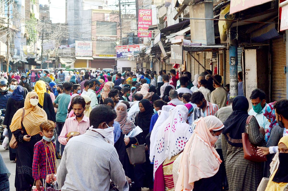 Consumers likely to raise discretionary spend ahead of festive season: Report