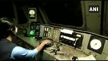 Watch: Oxygen Express piloted by 'all female crew' reaches Bengaluru