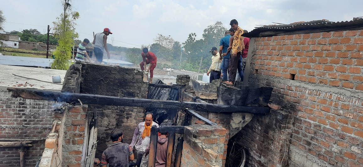 Madhya Pradesh: Cylinder blast in a house in Pipalrawan, valuables, household items burnt into ash