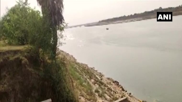 Dead bodies floating in Ganga: Centre asks states to check future incidences of people dumping bodies in river, its tributaries