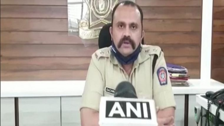Maharashtra: 3 people including Gram Sevak defrauded Gram Panchayat using forged documents