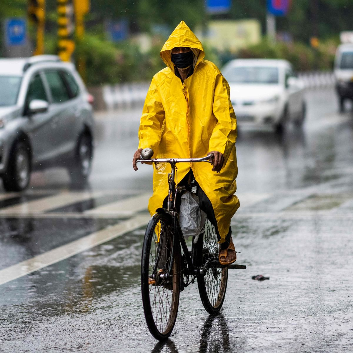 IMD predicts thunderstorm with light to moderate rain in Delhi-NCR, UP, Haryana