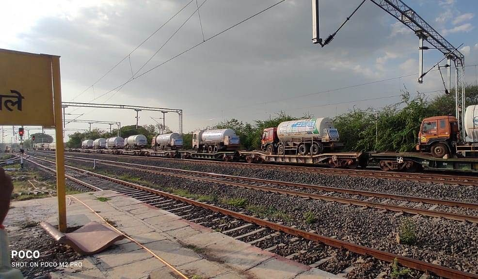 Oxygen Express offloads more than 610 MT of O2 in Maharashtra