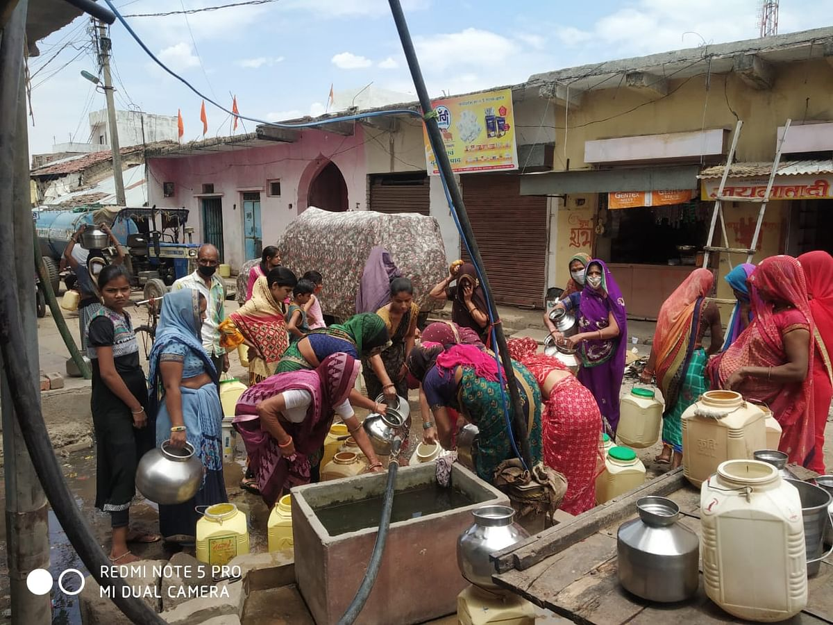 Ratlam: Barkheda Kala villagers face drinking water shortage amid corona, have only 1 tube well to quench thirst