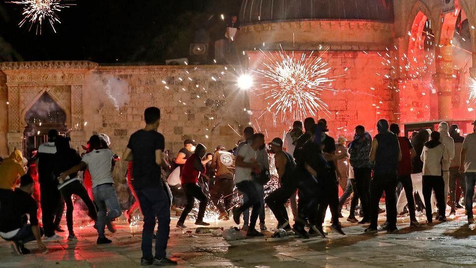 200 injured in Jerusalem's Al-Aqsa