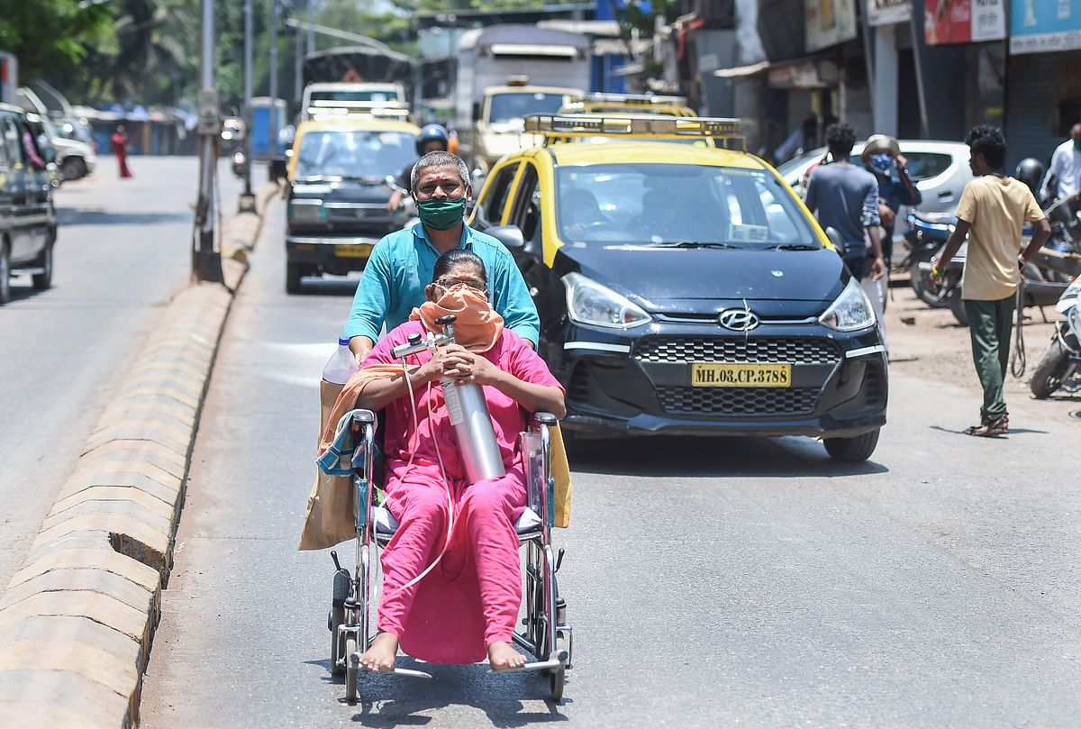 Mumbai: Politicians and religious institutions start oxygen banks to help needy