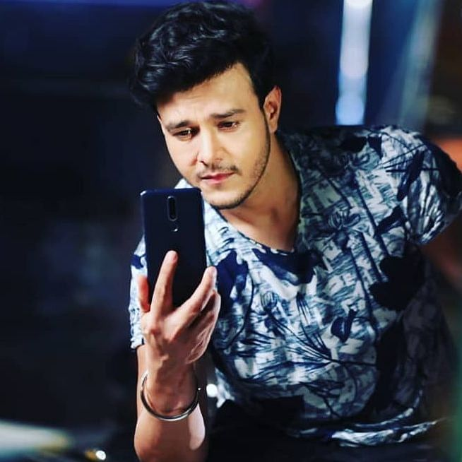 'I am in debt': 'Patiala Babes' actor Aniruddh Dave out of ICU, thanks fans for support